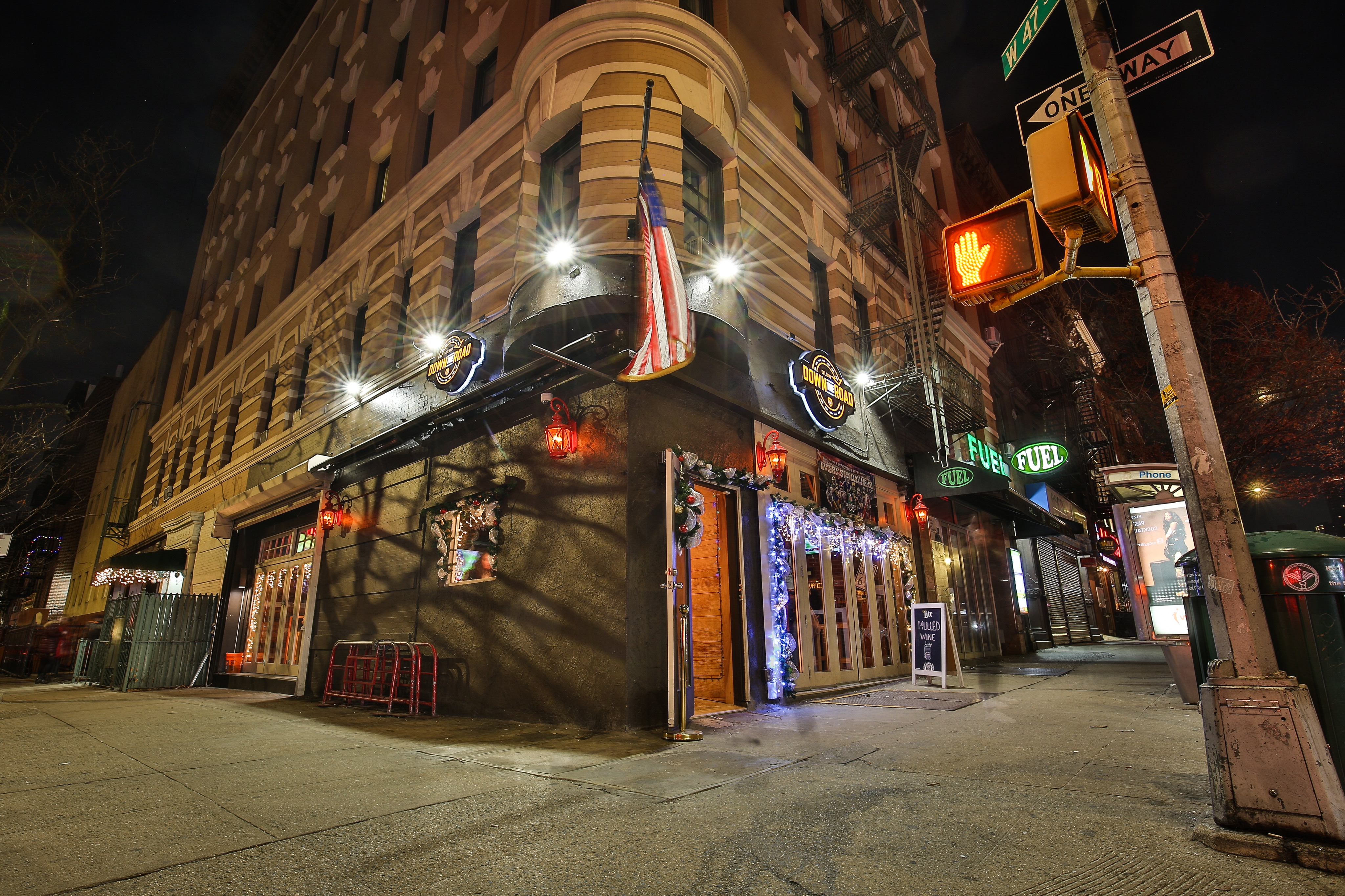 Down The Road Pub About Us Hell S Kitchen Nyc